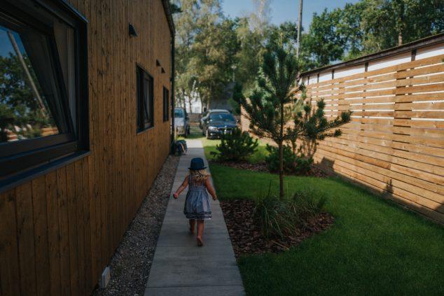 ogród teren zewnętrzny domki wakacyjne w Pobierowie