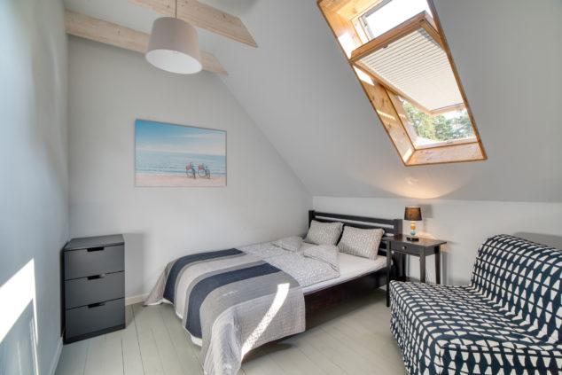 fotel rozkładany łóżko małżeńskie sypialnia